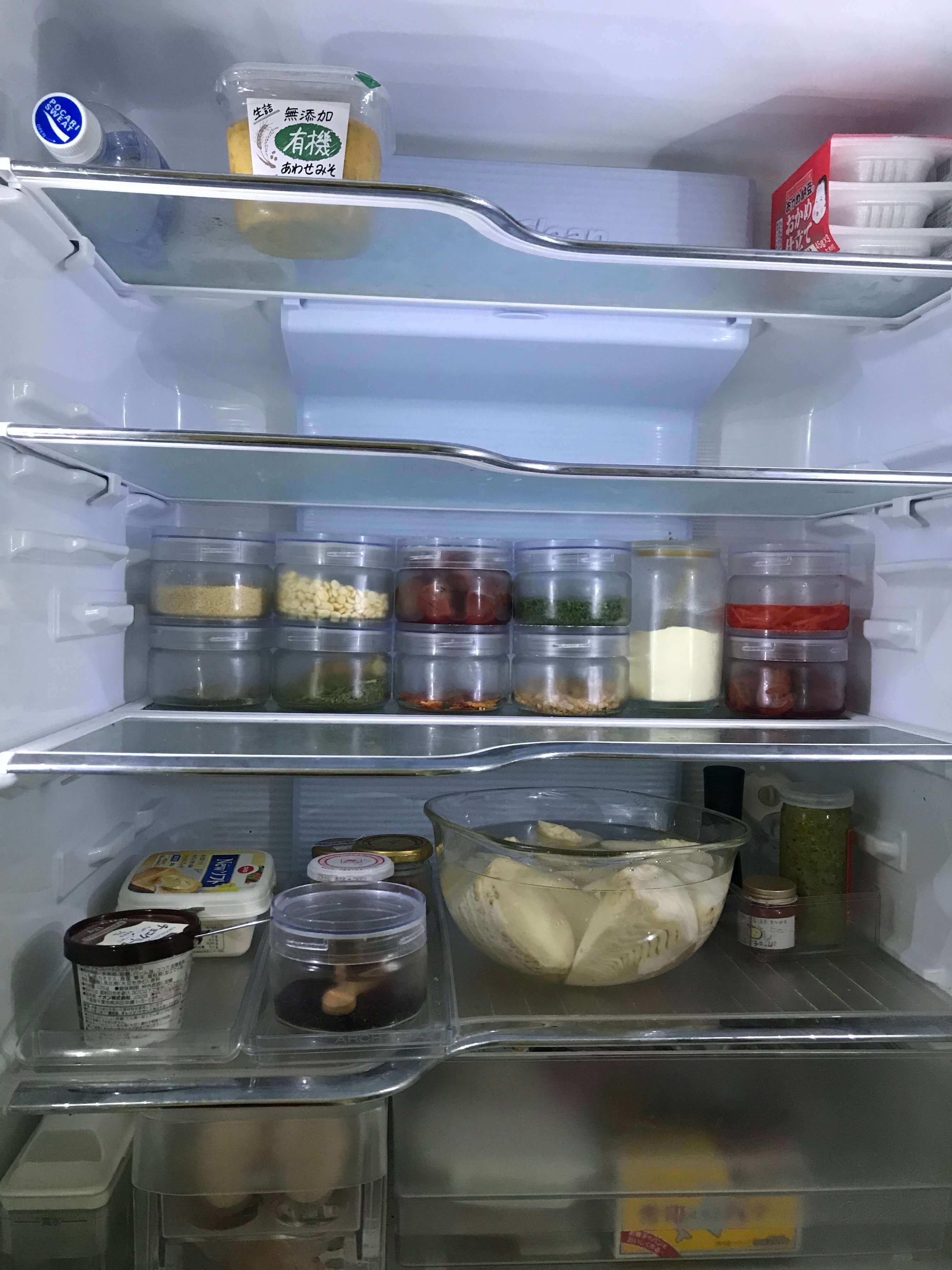 冷蔵庫の中の収納